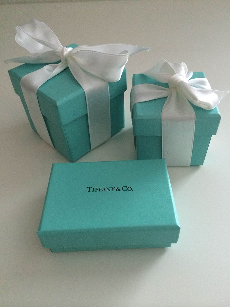 tiffany robin egg blue boxes