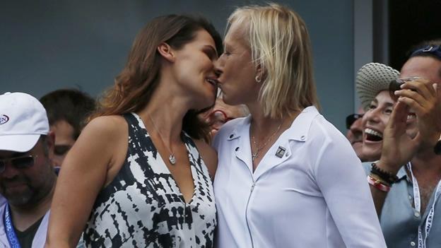 martina navratilova kissing julia after the proposal