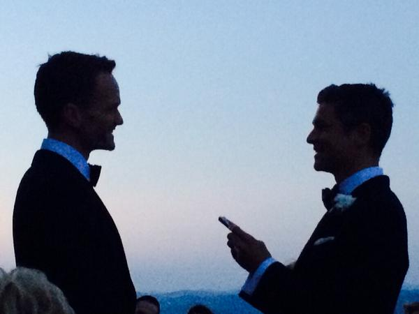 neil patrick harris and david burtka saying 'i do'