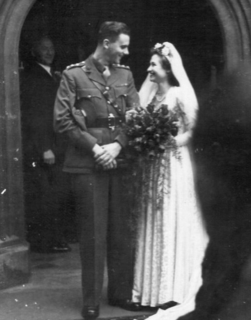 bob and kathleen lowe on their wedding day in 1946