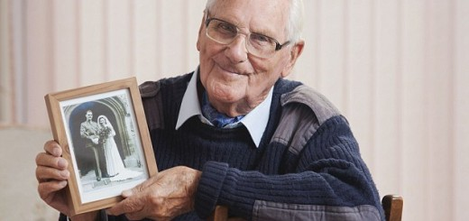 bob lowe showing the last photograph of him with his wife, kath