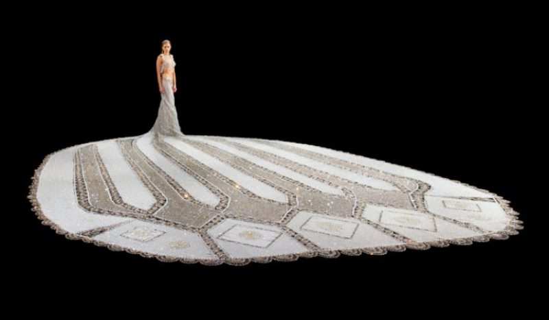 fantasy, the 170 kilogram wedding dress