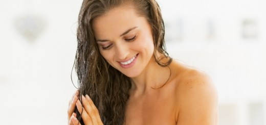 woman applying oil_New_Love_Times