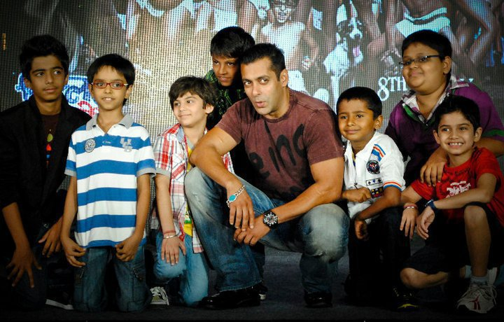Salman-Khan-Chillar-Party
