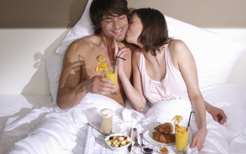 couple having breakfast in bed_New_Love_Times