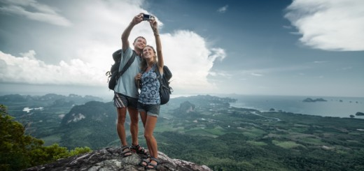 couple taking a selfie (4)