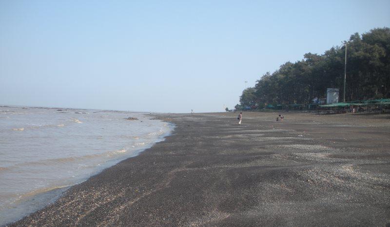 daman devka beach