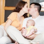10 easy ways to keep the romance alive after childbirth