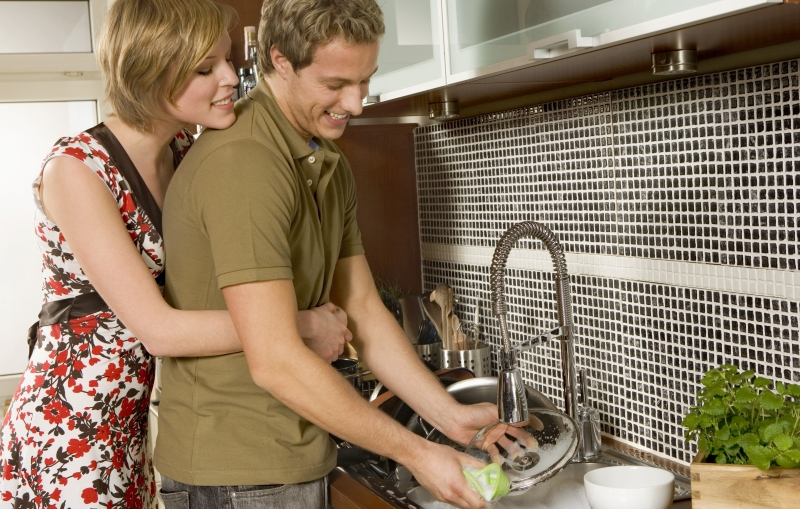 man doing the dishes_New_Love_Times