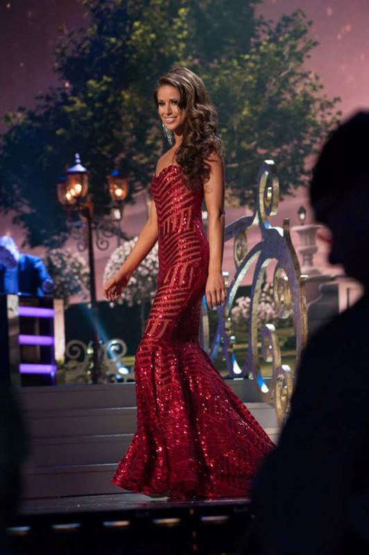 miss usa, nia sanchez, the first runner up