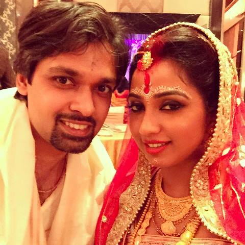 shreya ghoshal with her newlywed husband shiladitya mukhopadhyaya