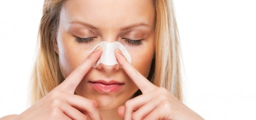 woman putting on pore strip on her nose_New_Love_Times