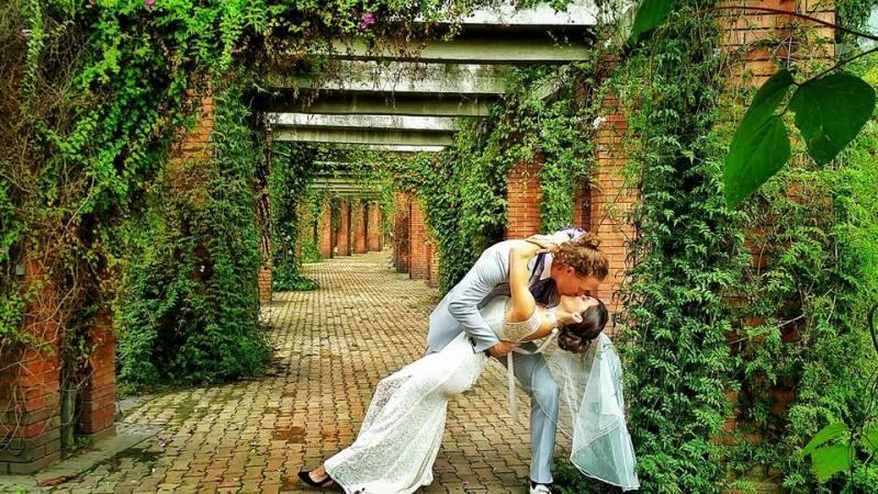 platt and woodyard's first wedding ceremony in bogota, colombia