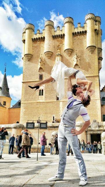 the couple in segovia, spain