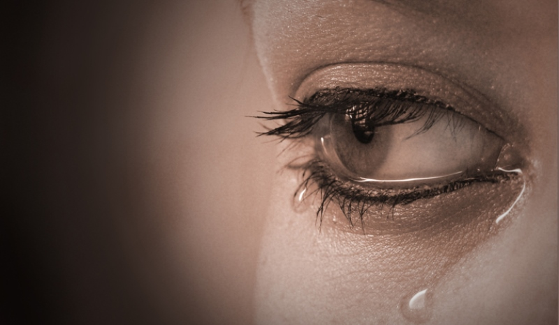 woman crying_New_Love_Times