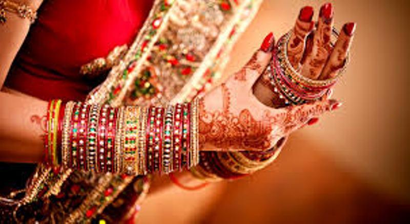 woman wearing bangles