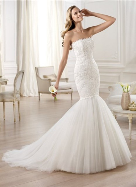fitted mermaid wedding dress
