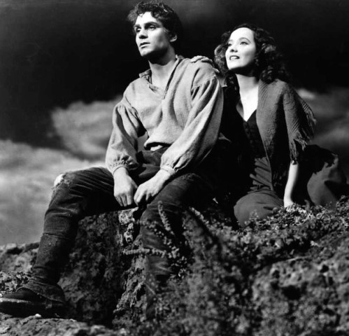 laurence olivier and merle oberon in the 1939 movie wuthering heights