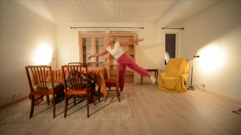 eva likes dancing
