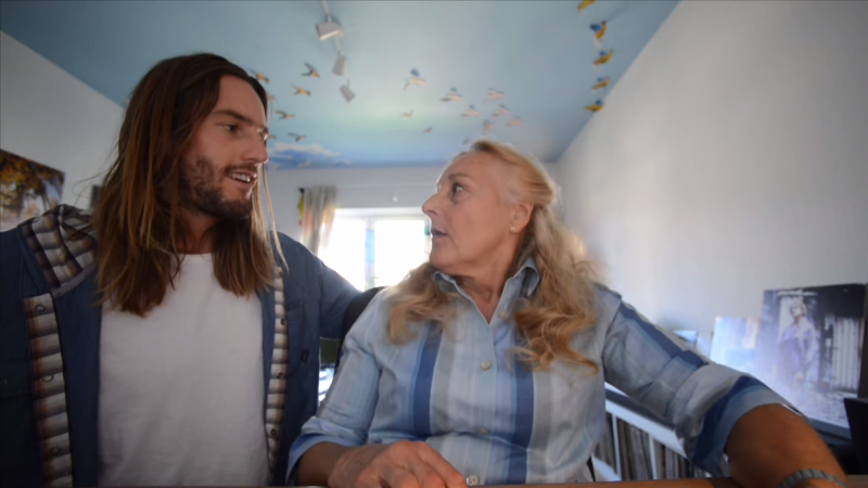 eva talking to her son alex at the end of the video