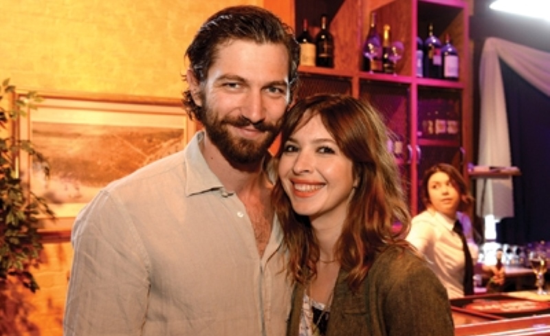 michiel huisman with wife tara elders