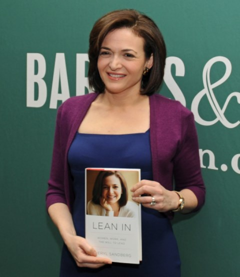 sheryl sandberg with her book lean in