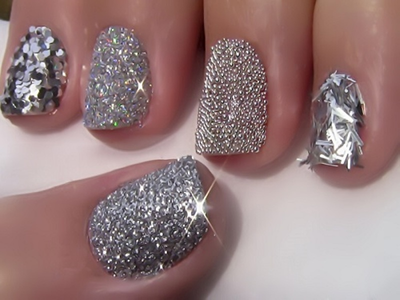 Giltz and glam nail art