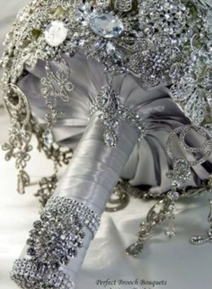 brooch bouquet