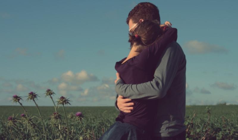 couple hugging12