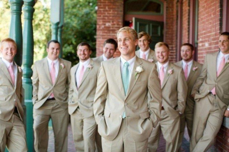 groomsmen's attire