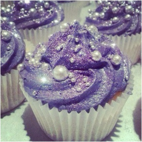 glitzy wedding cupcake