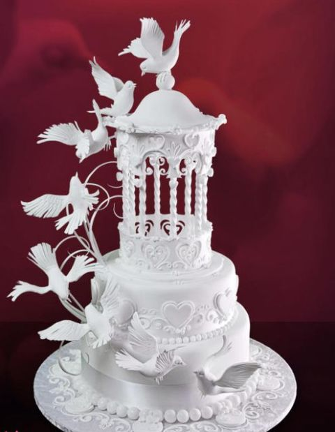 wedding cake with doves