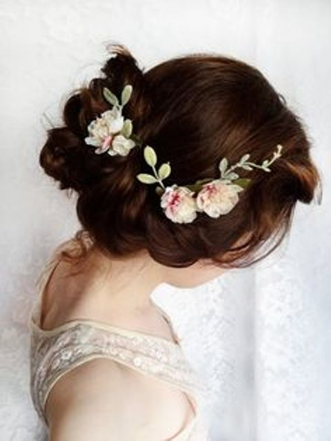 delicate flower hairstyle