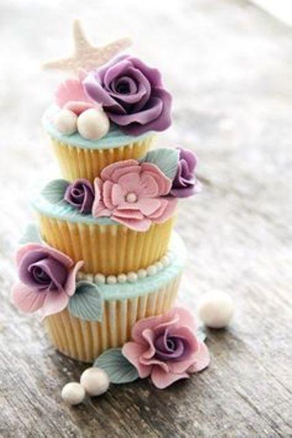 budding blossom cupcake