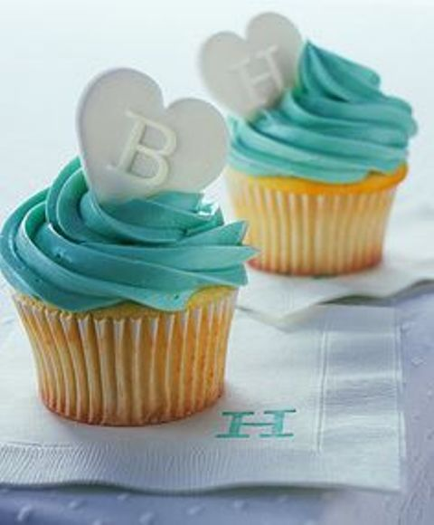 monogram wedding cupcakes