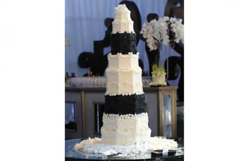 Kim Kardashian and Kris Humphries' wedding cake