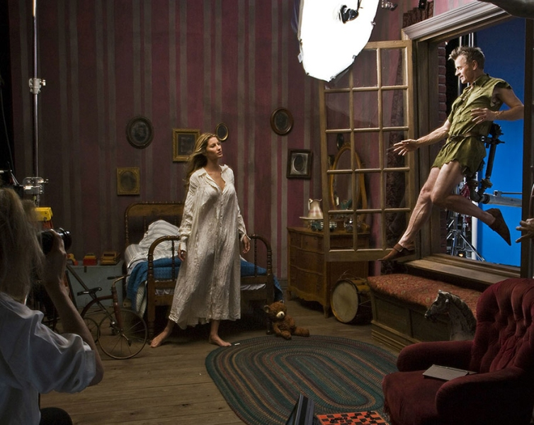 Mikhail Baryshnikov, Gisele Bundchen, and Tina Fey from Peter Pan- behind the scenes