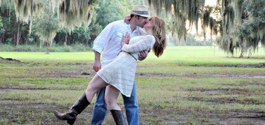 couple kissing (3)