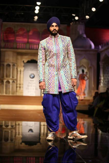 Abu Jani- Sandeep Khosla collection at BMW India Bridal Fashion Week 2015
