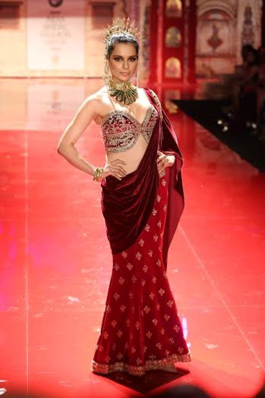 Kangana Ranaut as Suneet Varma's muse at the IBFW 2014