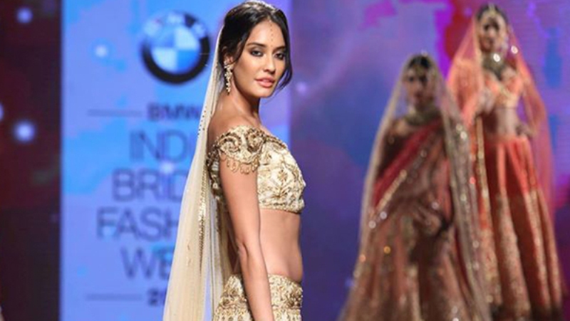 Lisa Haydon at India Bridal Fashion Week 2015