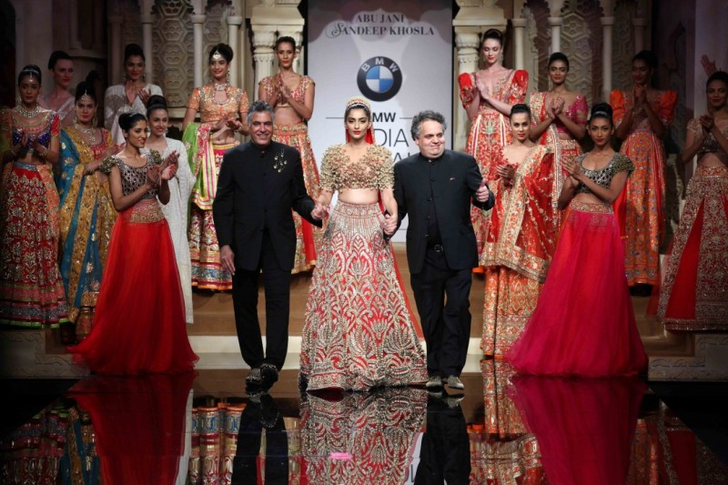 Show by Abu Jani Sandeep Khosla with Sonam Kapoor as show stopper