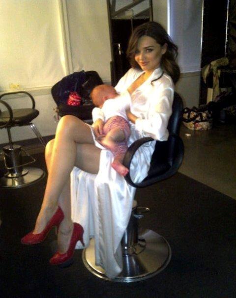 miranda kerr breastfeeding her child