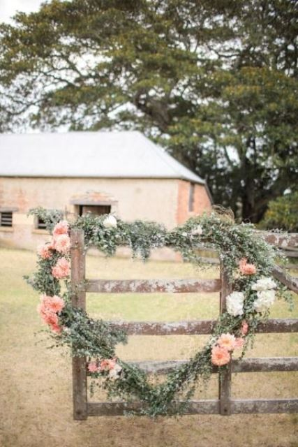 rustic heart shaped wreath