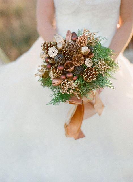 rustic pine cone bouquet