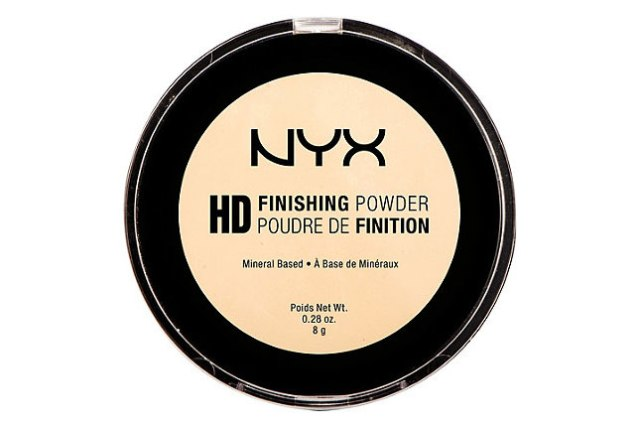 12_Kylie Jenner_nYXfinishingpowder