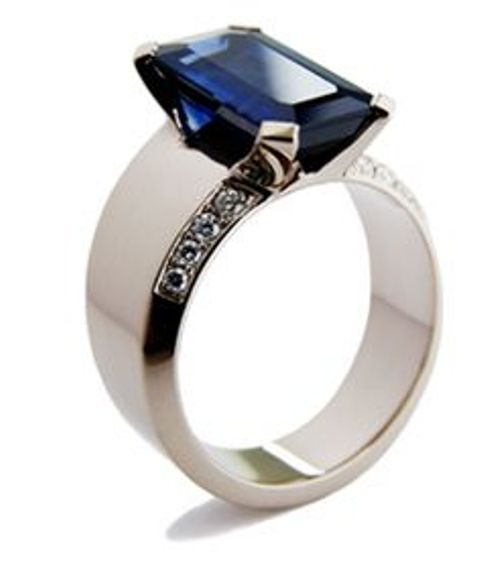 sapphire rectangle cut ring