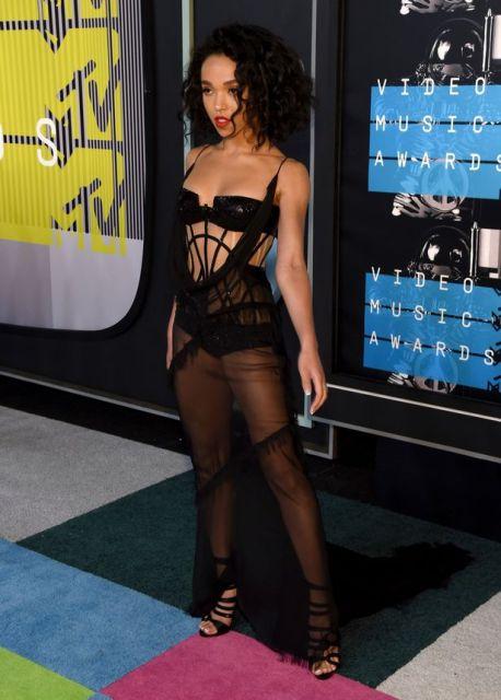 FKA Twigs at the MTV VMA 2015