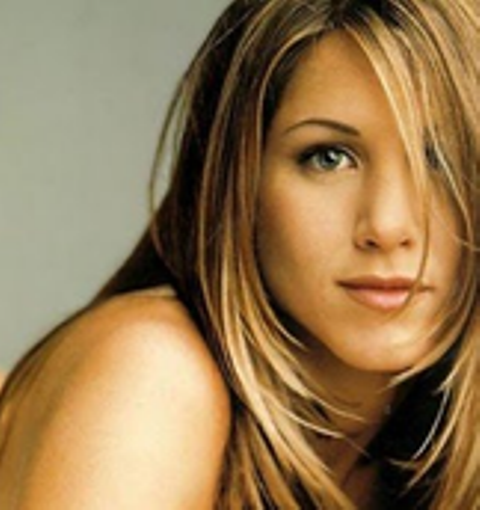 Jennifer-Aniston-Oval-Face-Shape