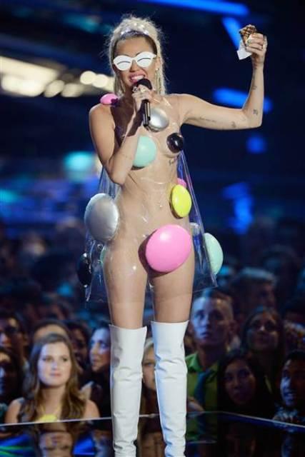 Miley Cyrus at the MTV VMA 2015